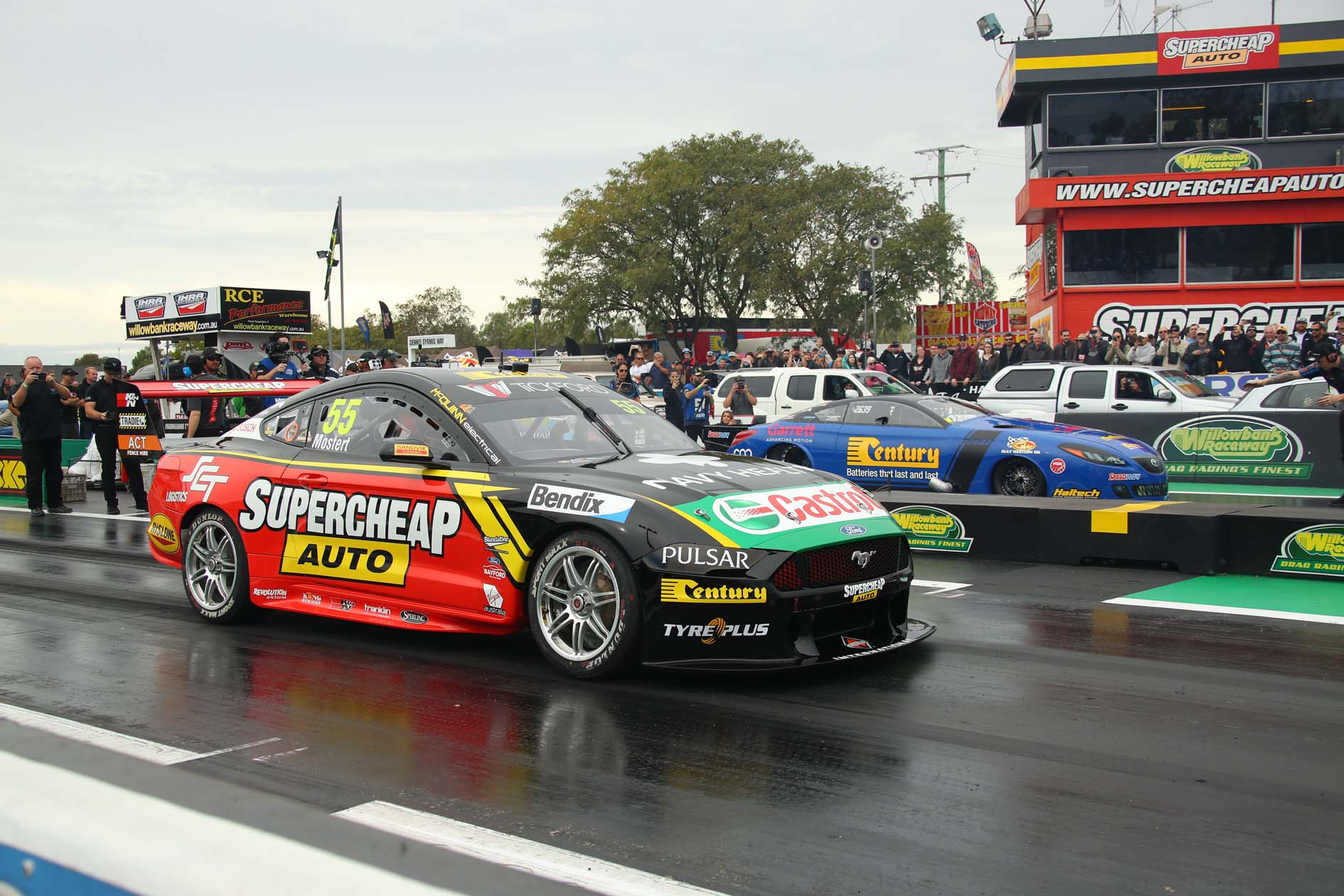 Chaz Mostert Takes on Ben Bray at the 2019 Winternationals