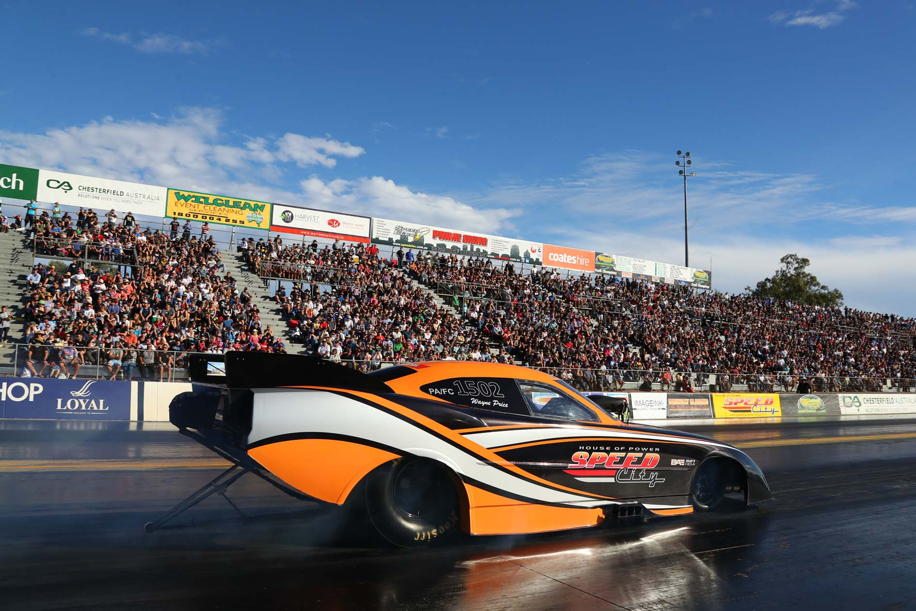 Wayne Price at Winternationals with a huge crowd.